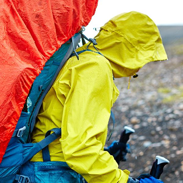 対策4:悪天候の場合、山登りをしない