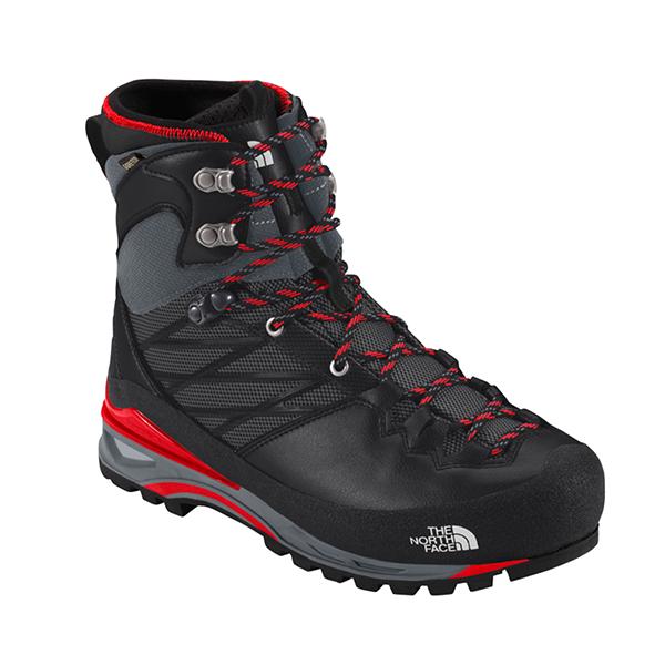 アルパインタイプの登山靴