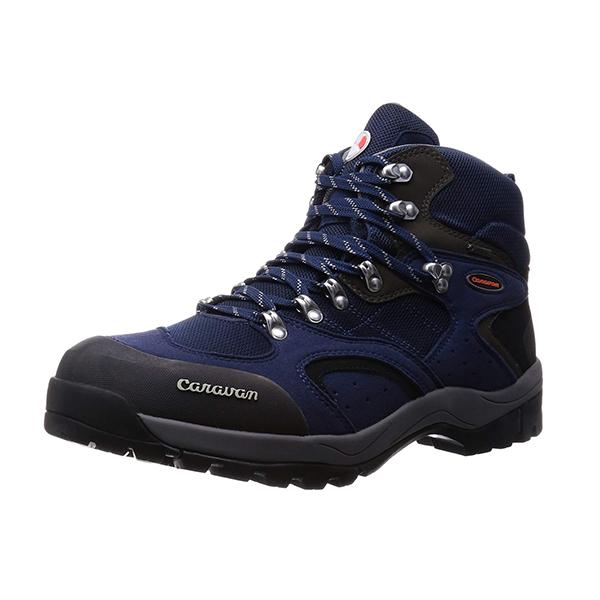 化学素材の登山靴